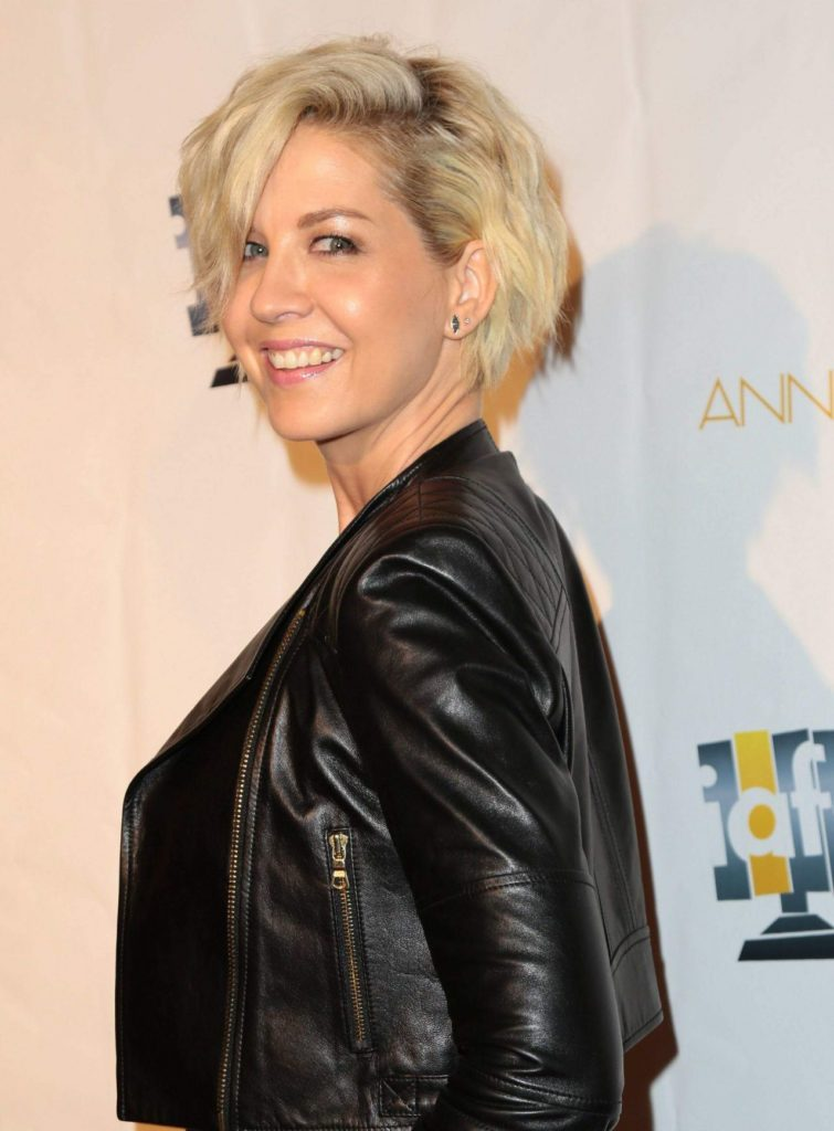 Jenna Elfman Without Makeup Photos