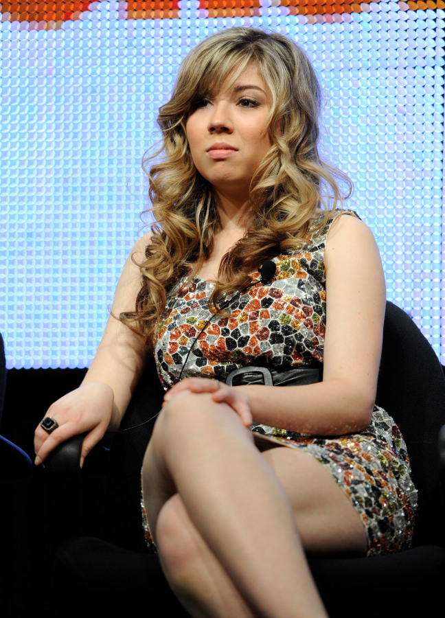 Jennette McCurdy Short Hair Images