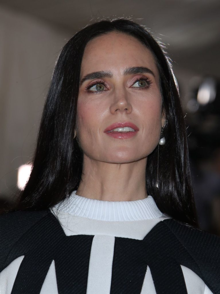 Jennifer Connelly Bra Pictures