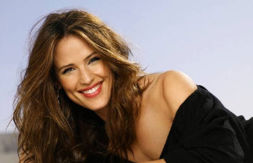 Jennifer Garner Yoga Pants Images