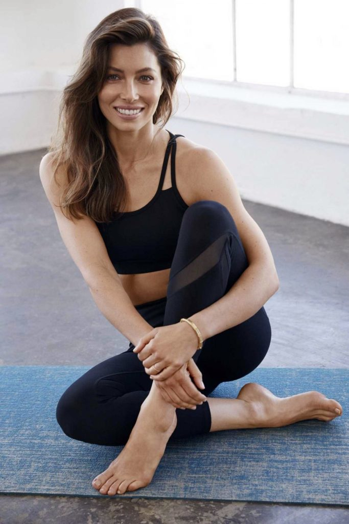 Jessica Biel Working Out Wallpapers