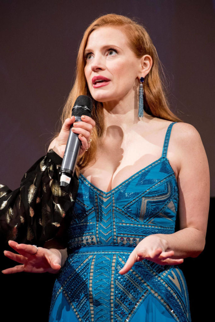 Jessica Chastain Cleavage Images