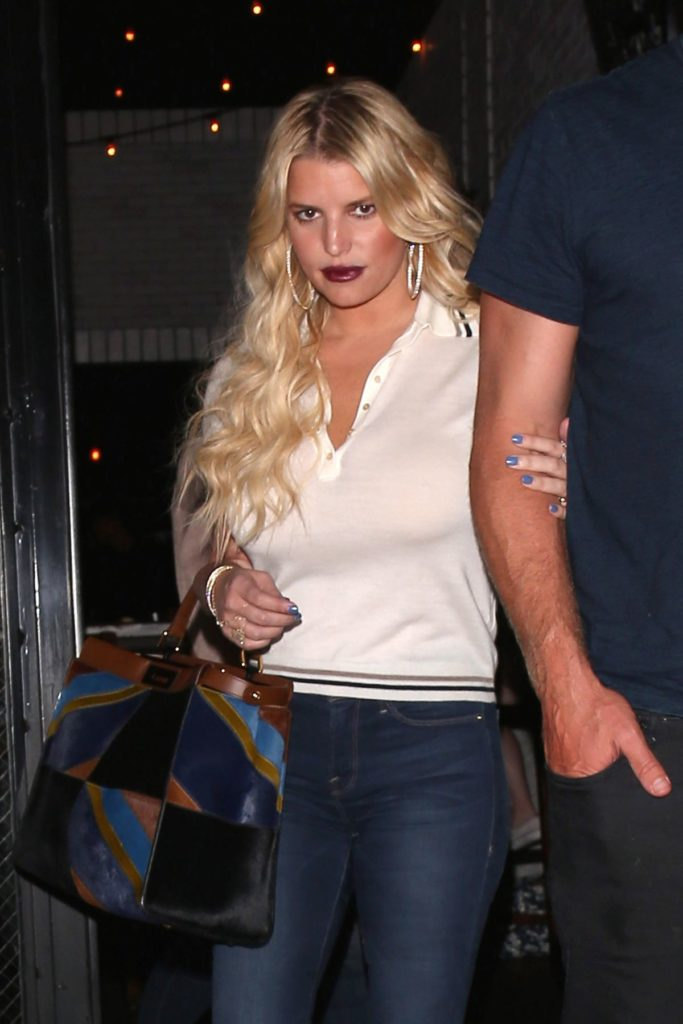 Jessica Simpson Muscles Photos