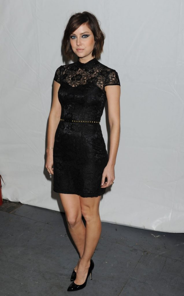 Jessica Stroup Thighs Images