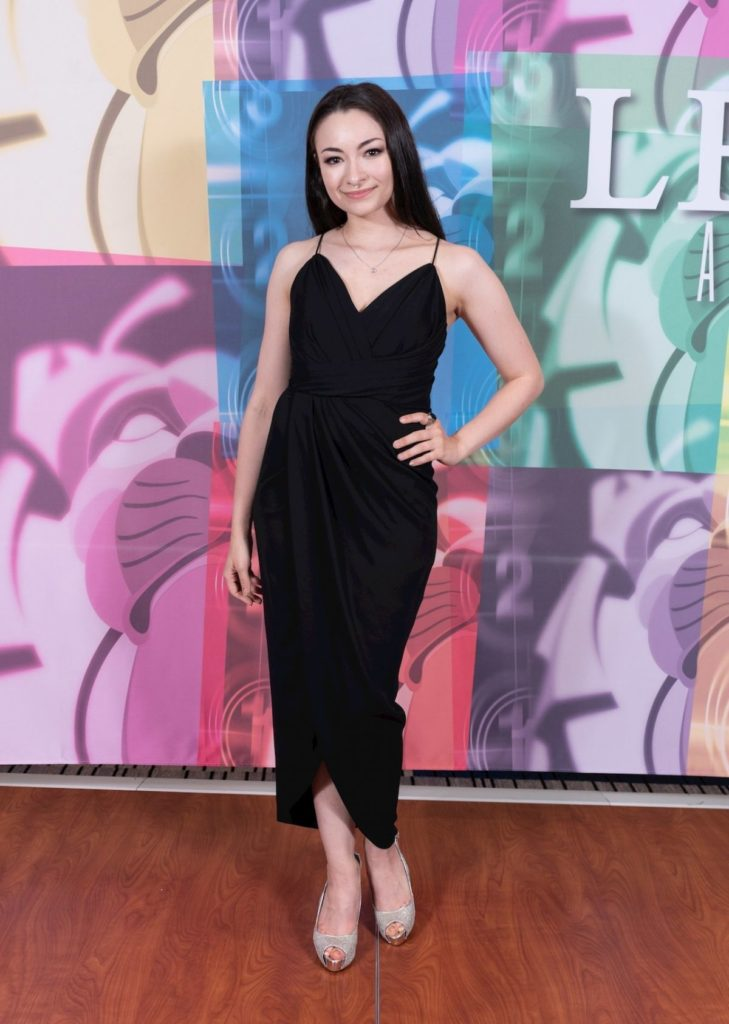 Jodelle Ferland Gown Pictures
