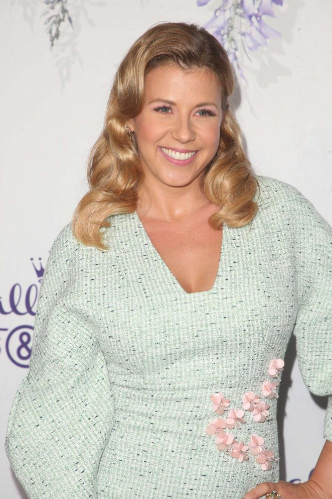 Jodie Sweetin Smile Face Images