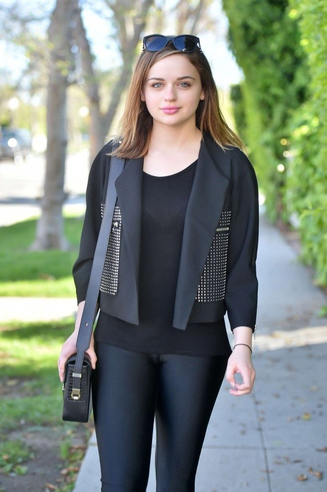 Joey King Jeans Photos