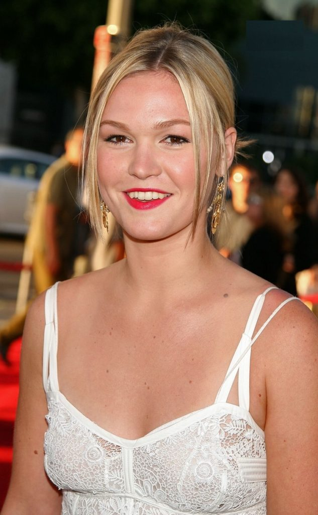 Julia Stiles Boobs Wallpapers