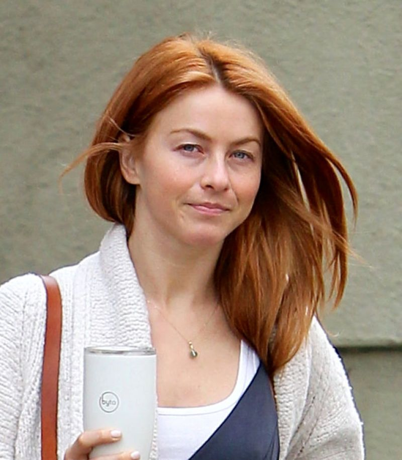 Julianne Hough Braless Images