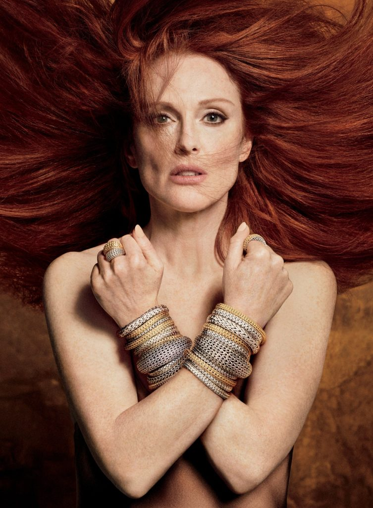 Julianne Moore Beach Images