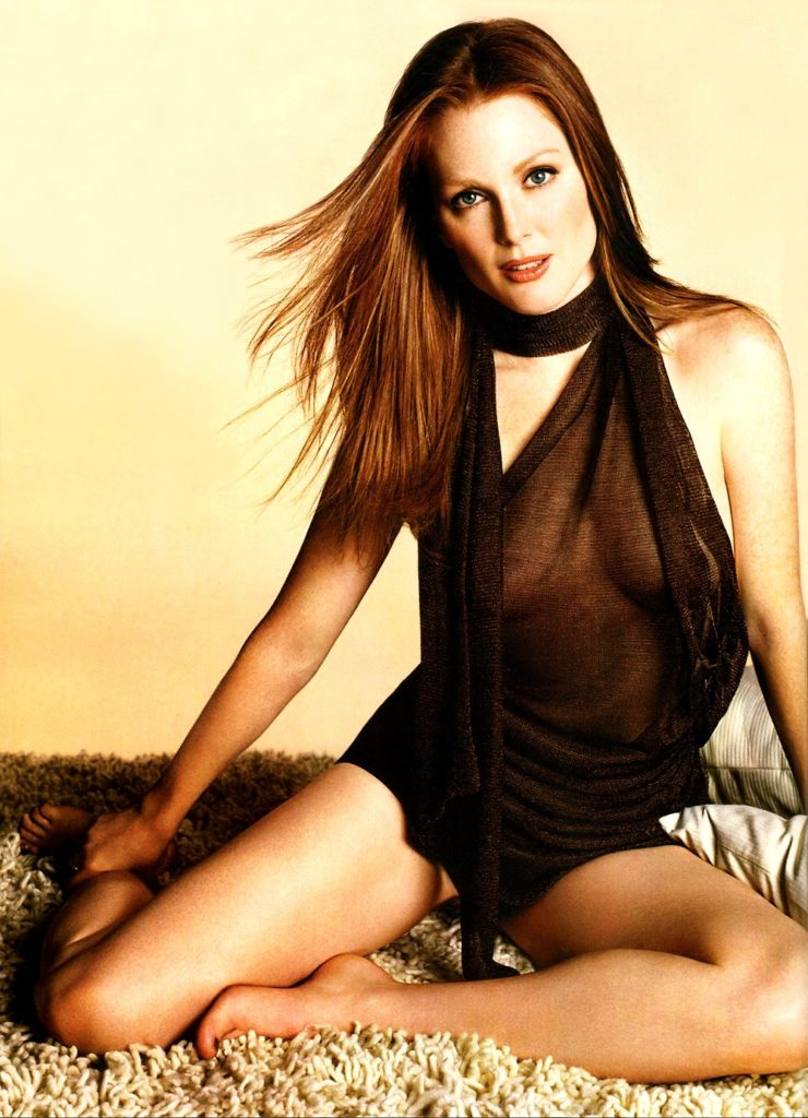 Julianne Moore Bikini Wallpapers