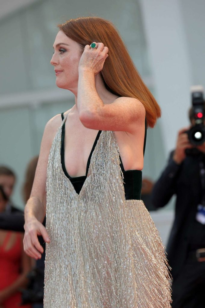 Julianne Moore Butt Images