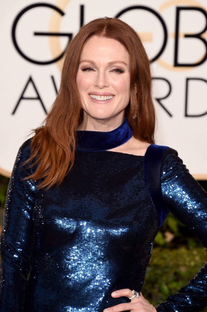 Julianne Moore Hair Style Pictures