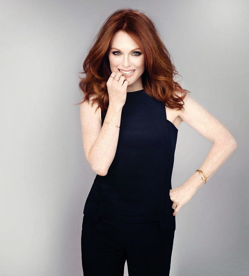 Julianne Moore Leggings Pictures