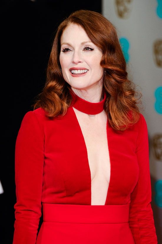 Julianne Moore Smileing Pics