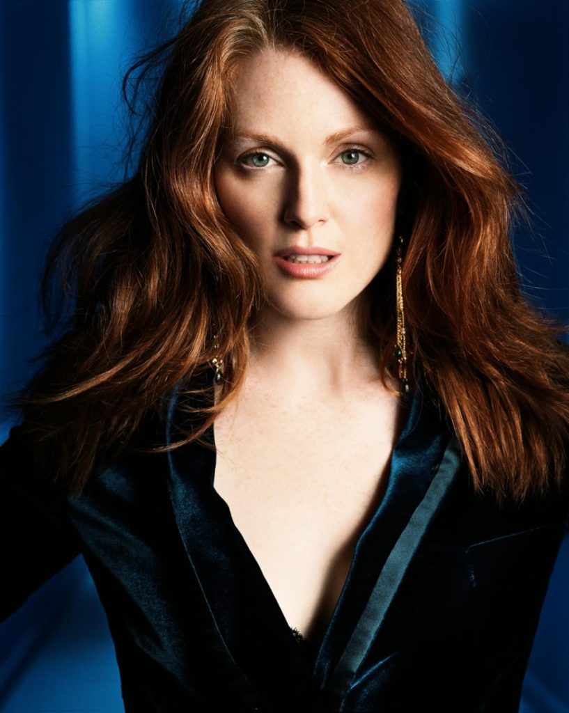 Julianne Moore Undergarments Wallpapers