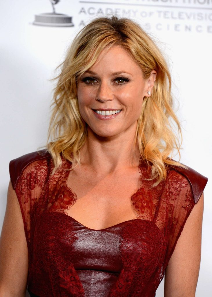 Julie Bowen Bathing Suit Pics