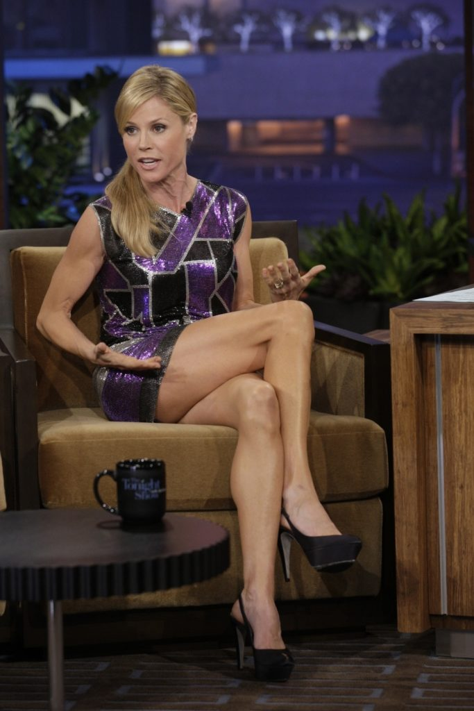 Julie Bowen Bikini Wallpapers