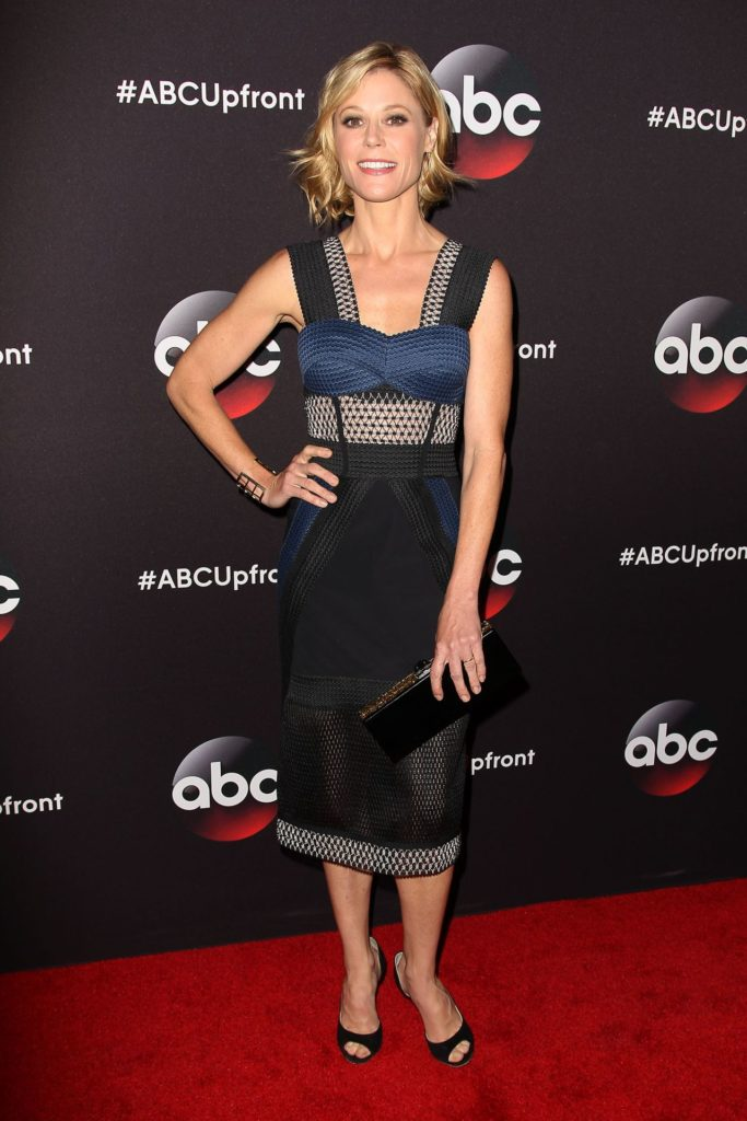 Julie Bowen Feet Wallpapers