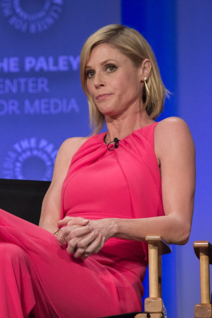 Julie Bowen Hot Pics Gallery