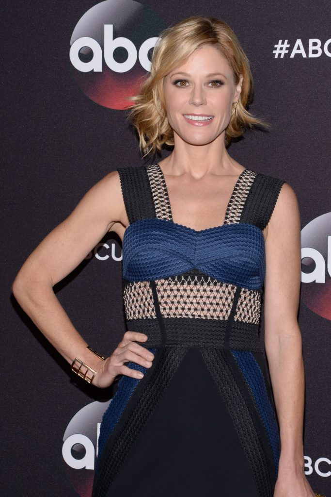 Julie Bowen Leggings Pictures