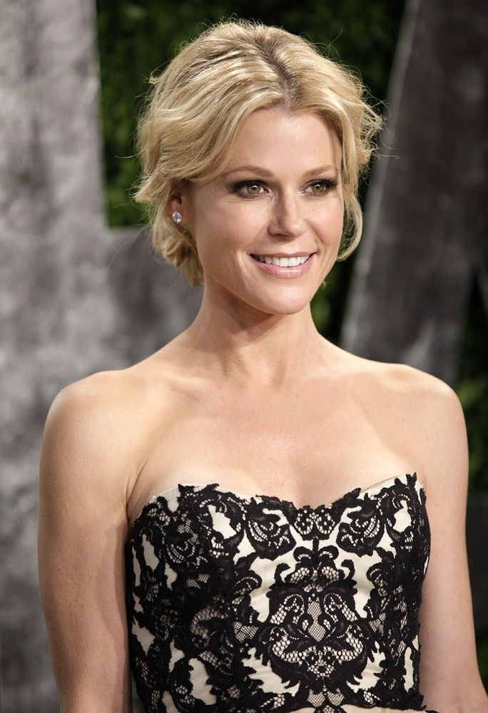 Julie Bowen Muscles Images