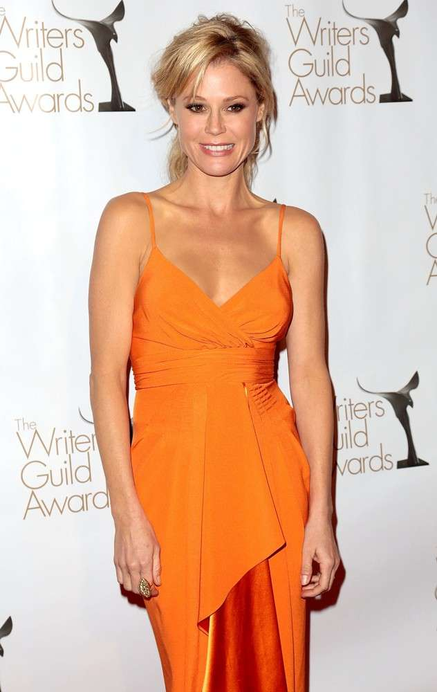 Julie Bowen Oops Moment Photos