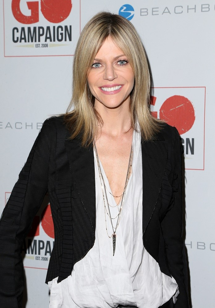 Kaitlin Olson Cleavage Images