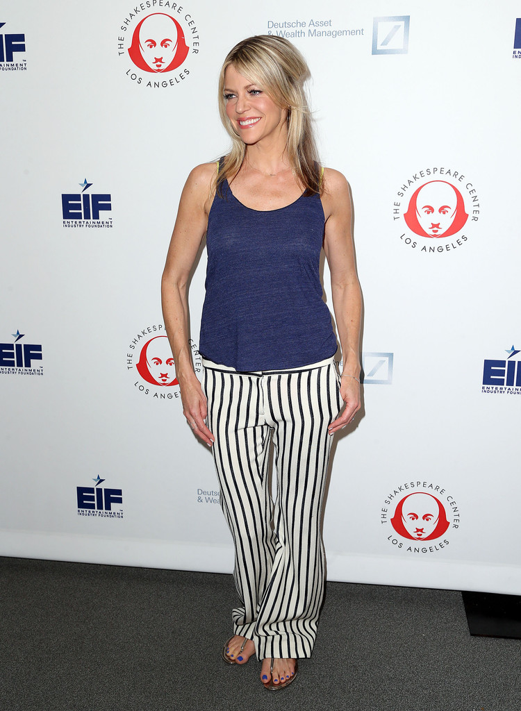 Kaitlin Olson Leggings Images