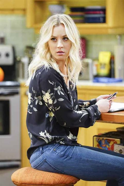 Kaley Cuoco Jeans Images