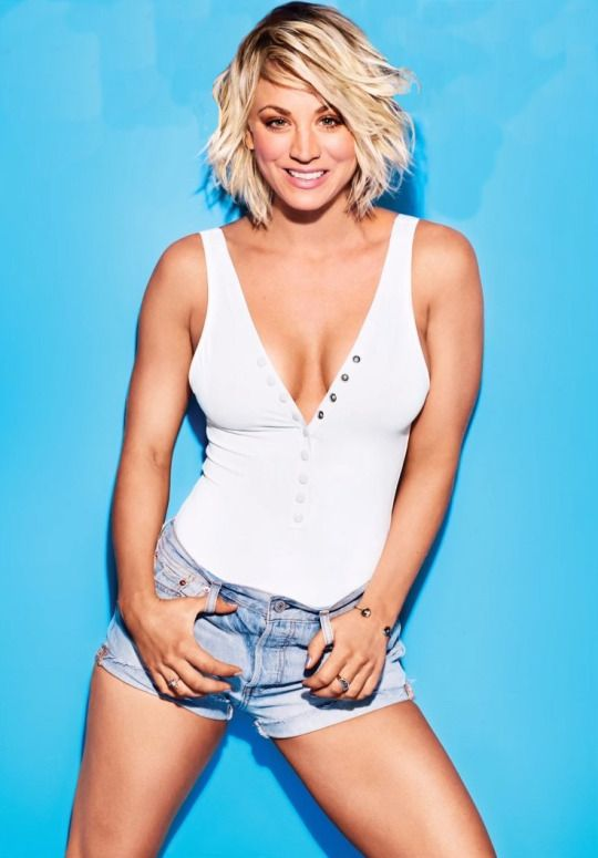Kaley Cuoco Lingerie Wallpapers