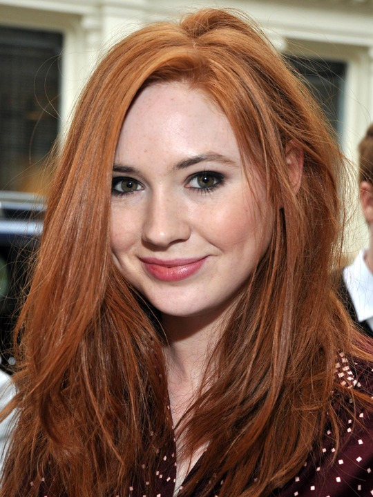 Karen Gillan Cleavage Pictures