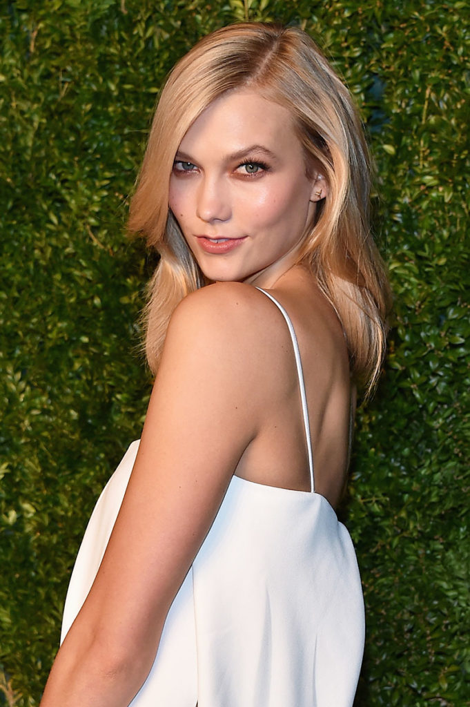 Karlie Kloss Braless Photos