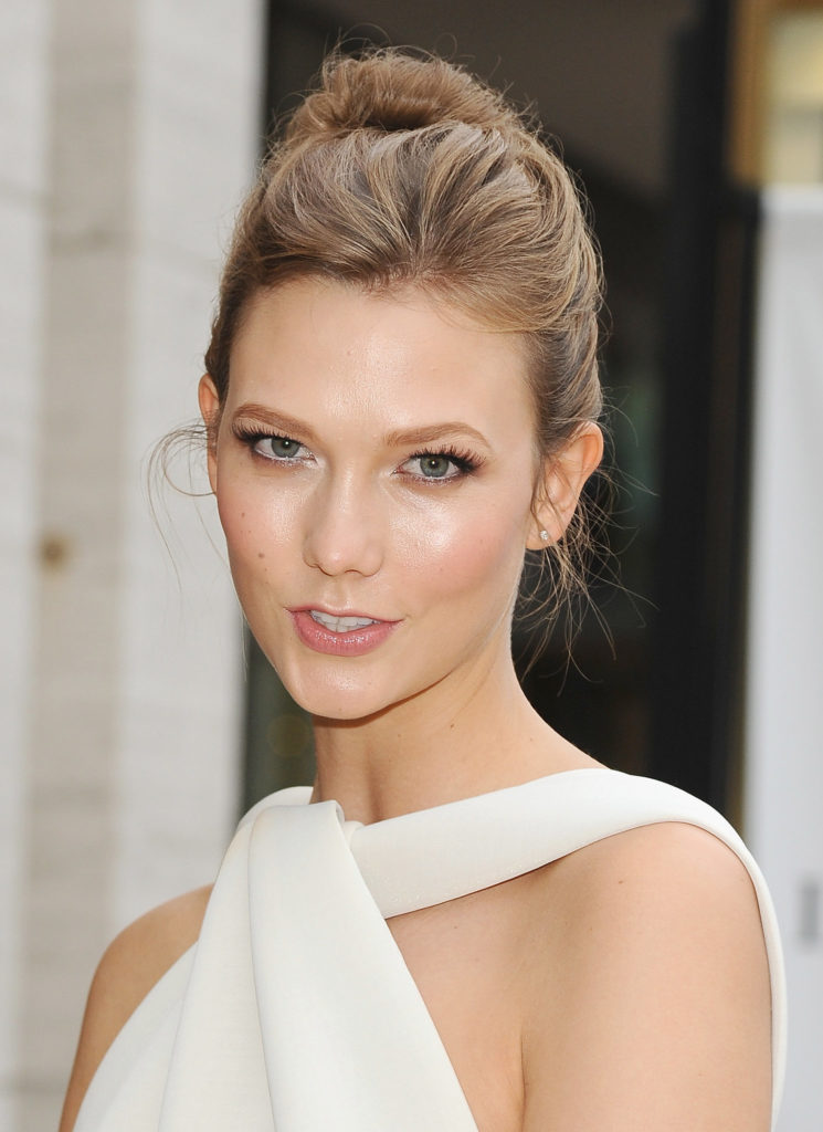 Karlie Kloss Hot Pictures