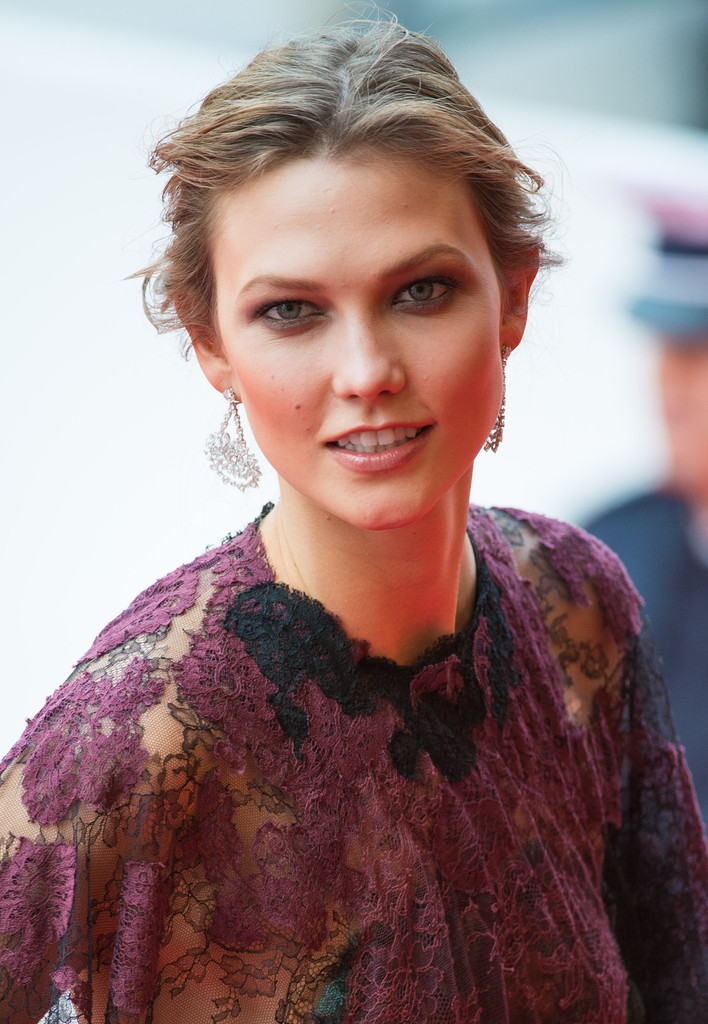 Karlie Kloss Leaked Wallpapers