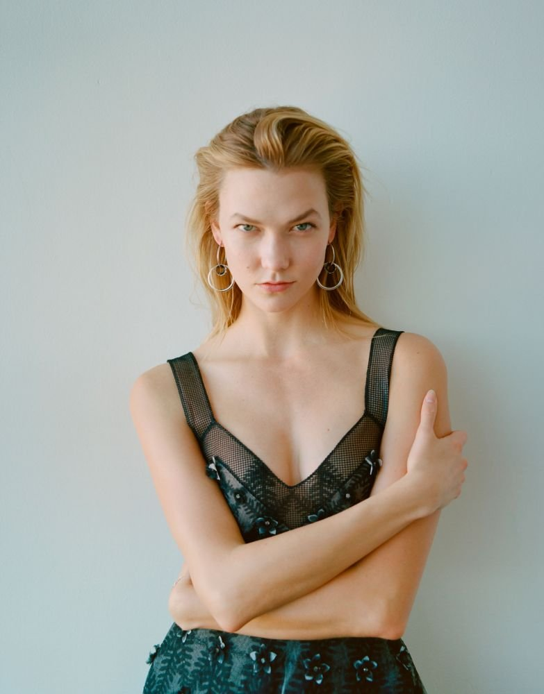 Karlie Kloss Undergarments Images