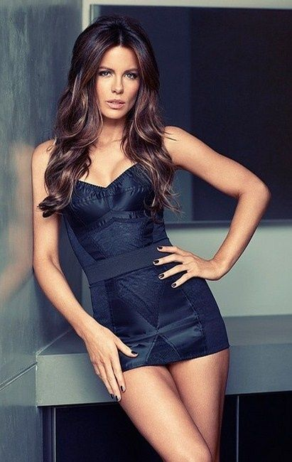 Kate Beckinsale Lingerie Pictures