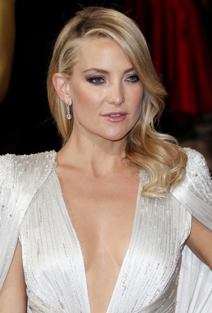 Kate Hudson Topless Images