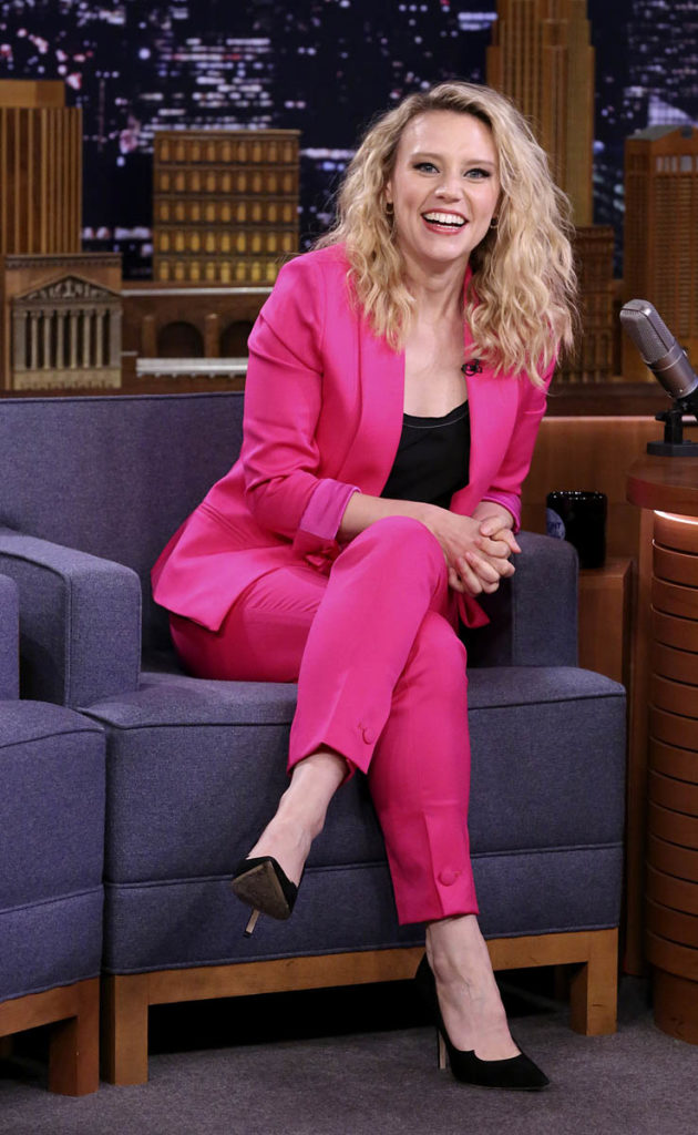Kate McKinnon Oops Moment Wallpapers
