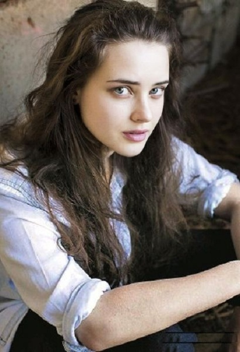 Katherine Langford Jeans Pictures