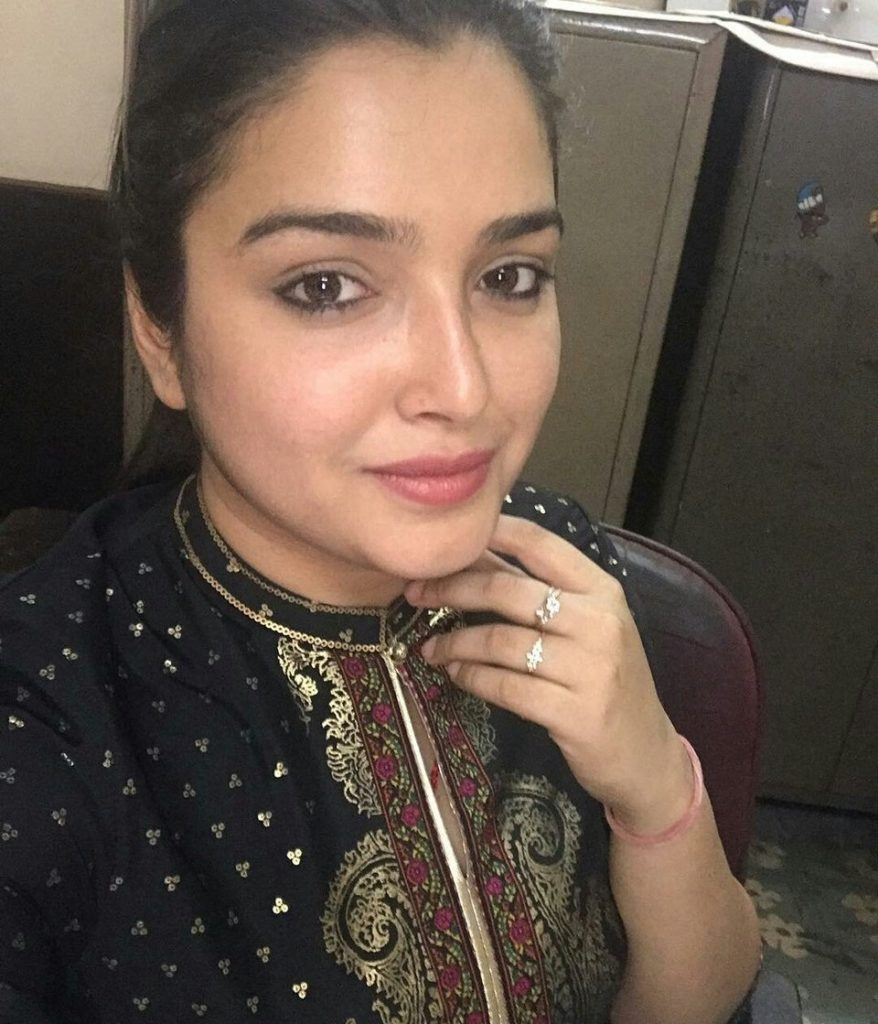 Amrapali Dubey Sexy Pictures