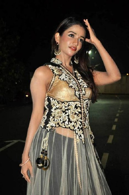 Anaika Soti Muscles Pictures