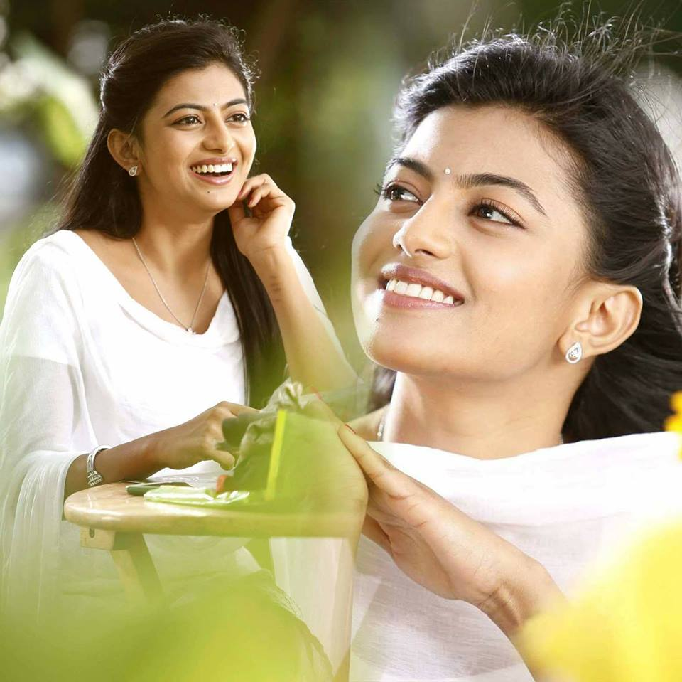 Anandhi Hair Style Pics