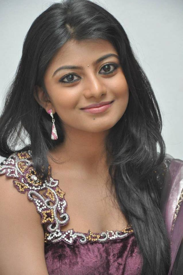 Anandhi Topless Photos