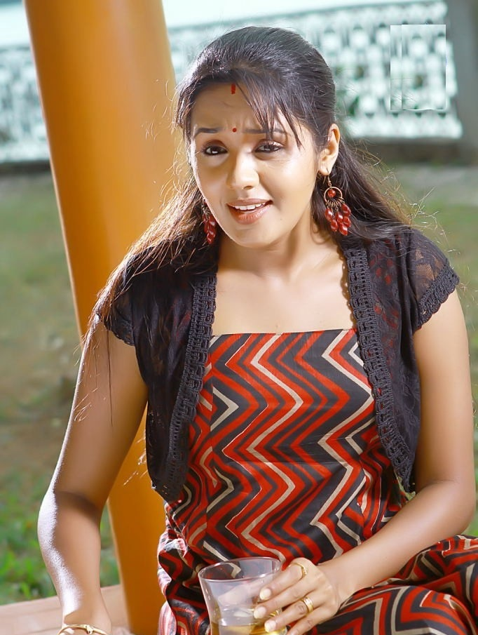 Ananya Topless Images