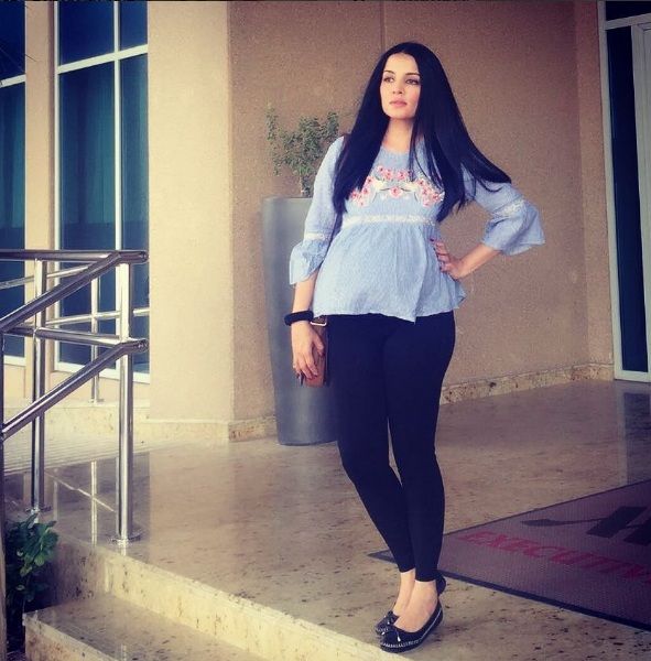 Celina Jaitley Jeans Pictures