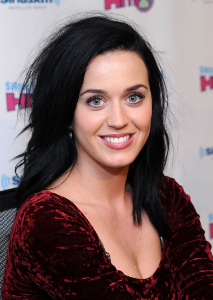 Katy Perry Braless Pictures