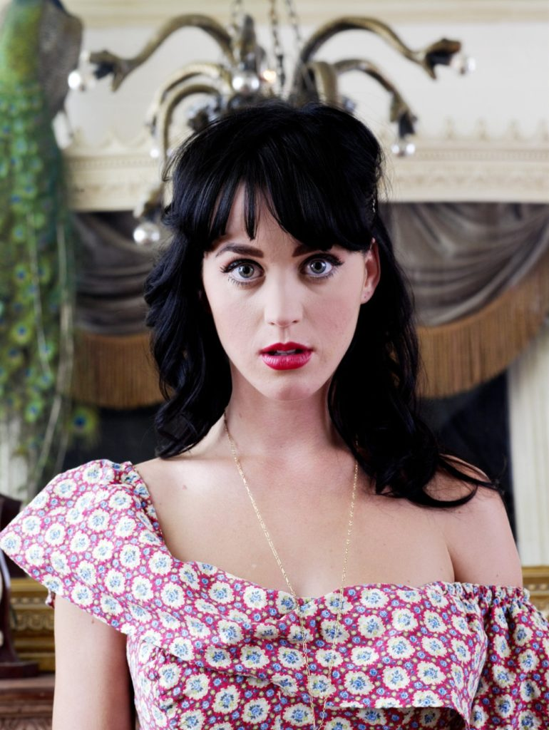 Katy Perry Cleavage Wallpapers