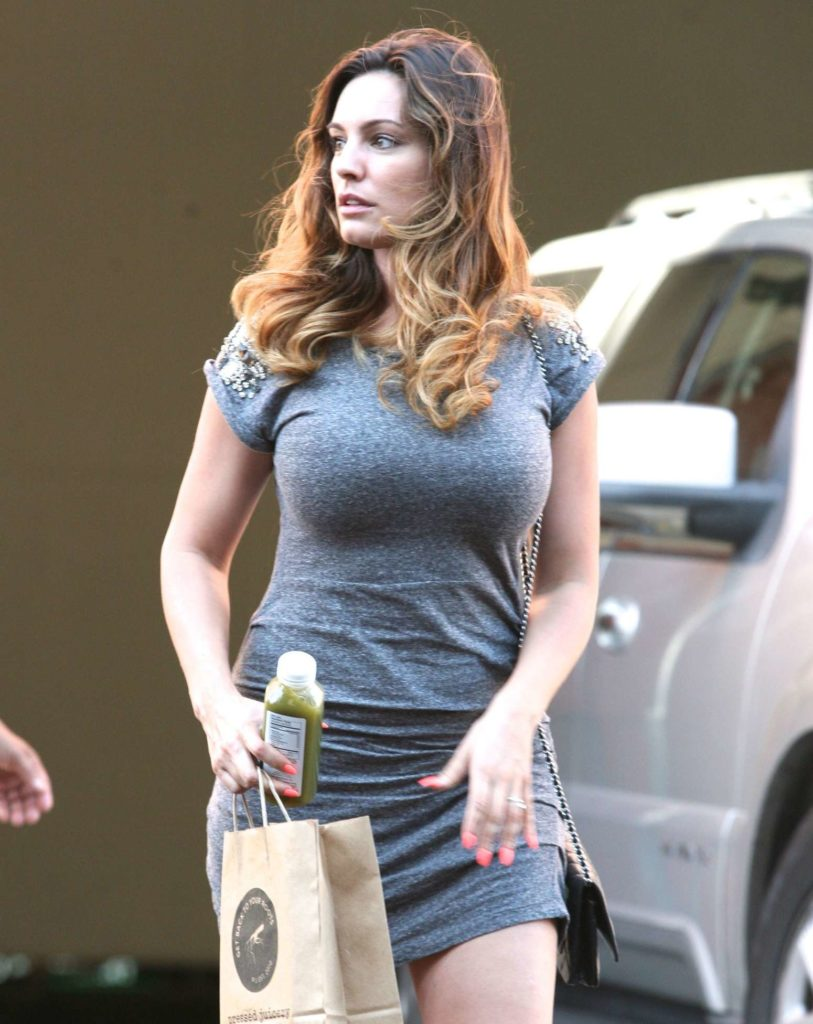 Kelly Brook Body Pictures