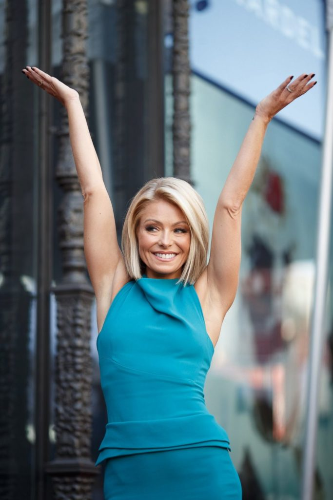 Kelly Ripa Body Pictures